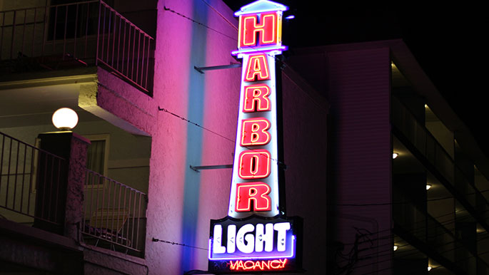 Harbor-Light-Wildwood-NJ-Signage