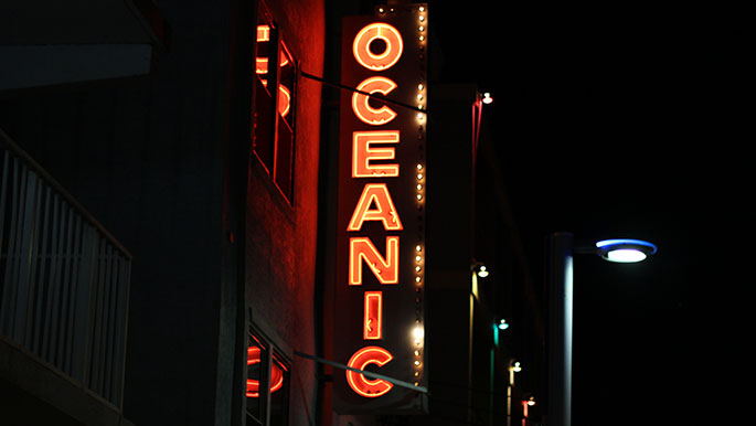 Oceanic-Wildwood-NJ-Signage