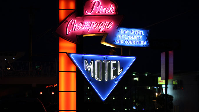 Pink-Champagne-Motel-Wildwood-NJ-Signage