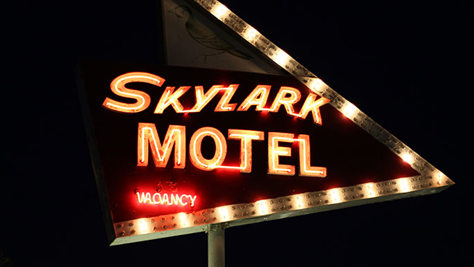 Skylark-Motel-Wildwood-NJ-Signage