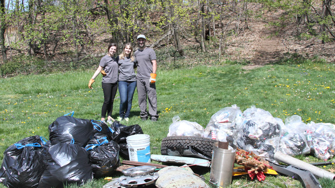 Trillion participates in Summit, NJ Earth Day Clean Up.